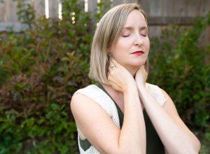 throat chakra position