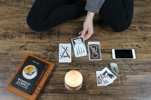 tarot card set up